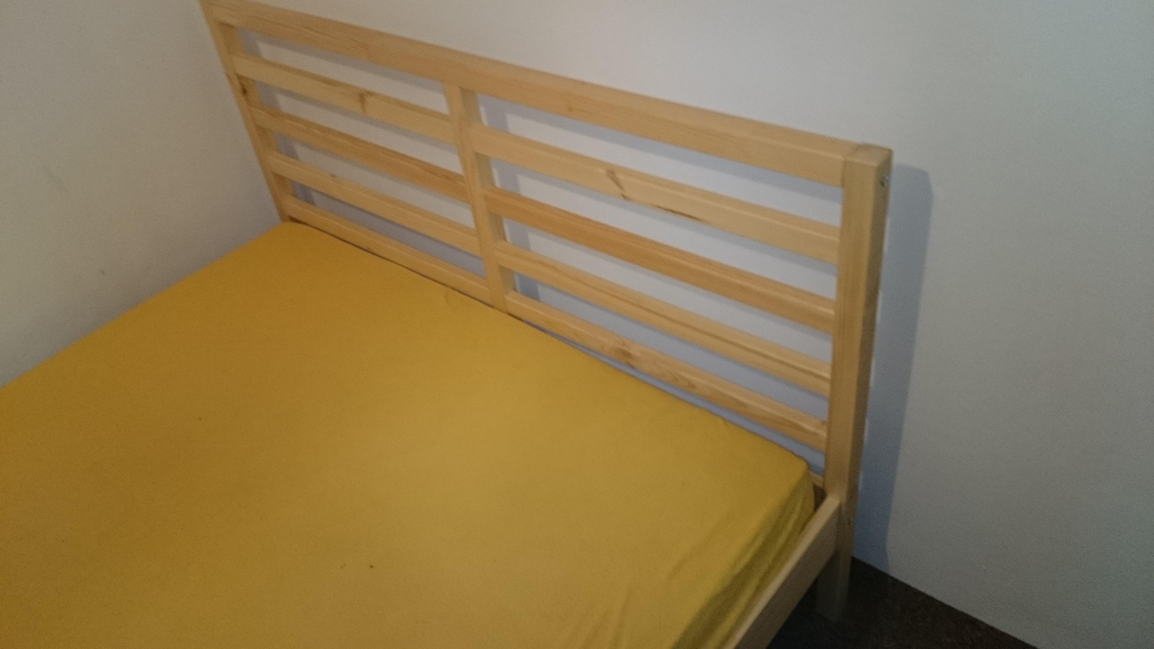 montaż łóżek w ciasnych pomieszczeniach