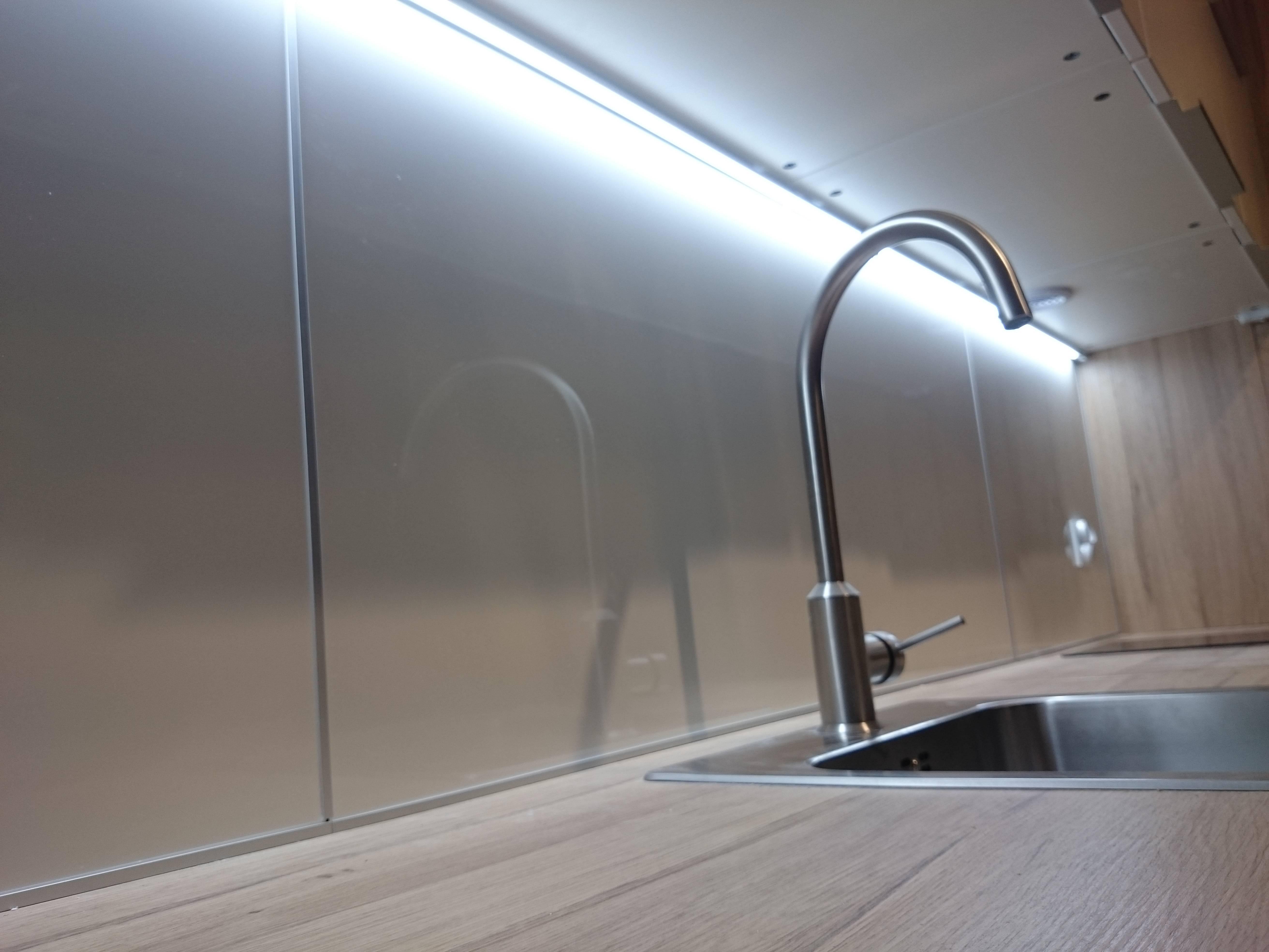 Montaż paneli ochronnych LYSEKIL Ikea