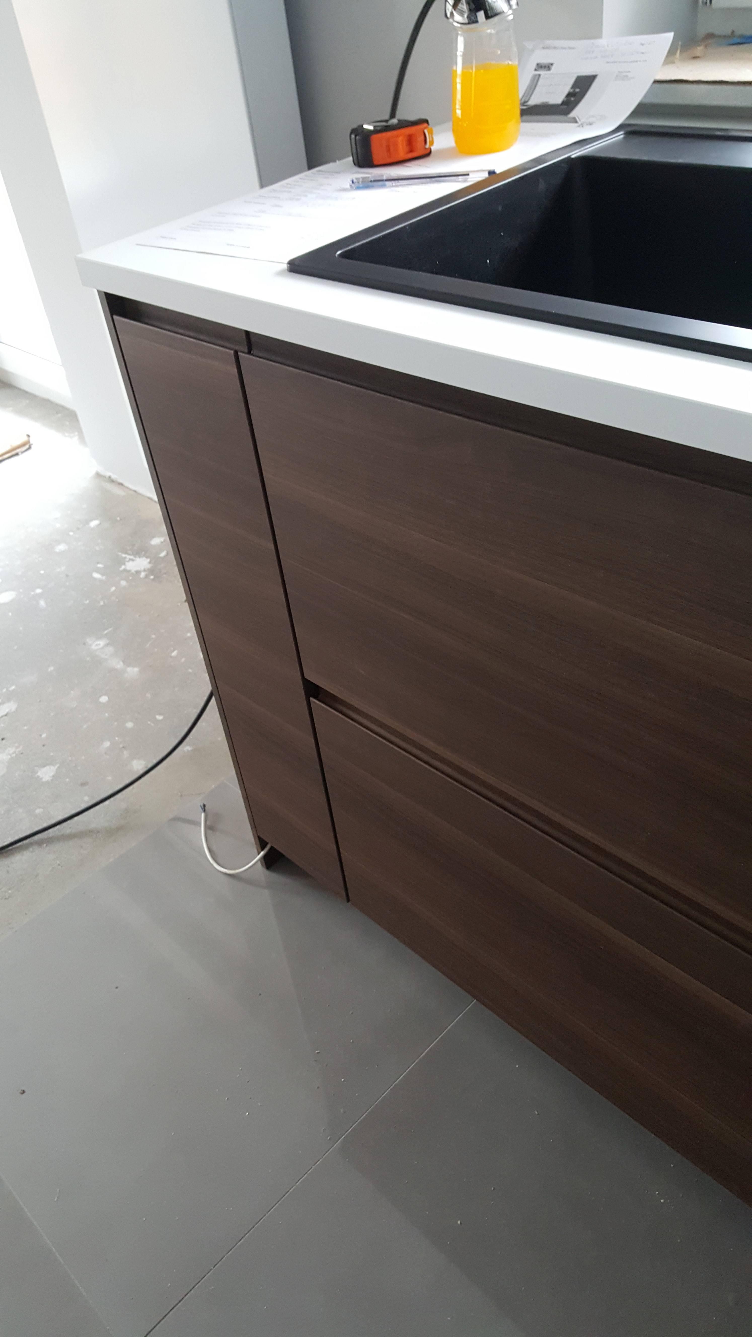 Składanie skręcanie mebli kuchennych IKEA