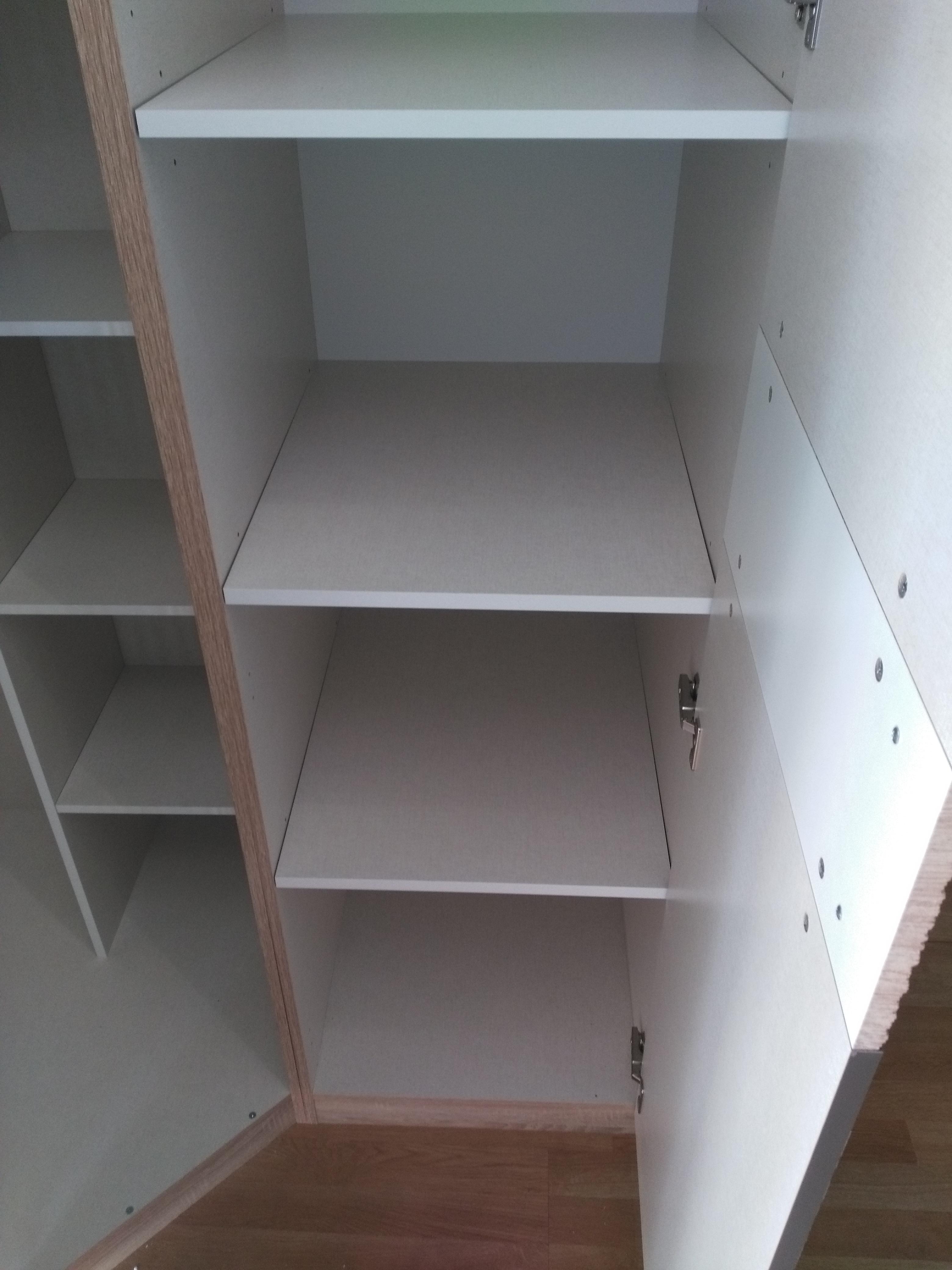 Montaż szafy BRW (Black&Red&White)