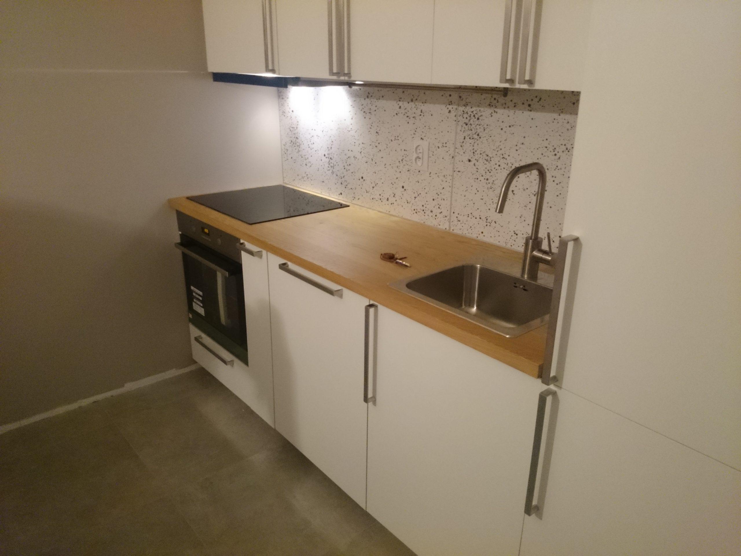 Skręcanie mebli kuchennych i podłączanie AGD